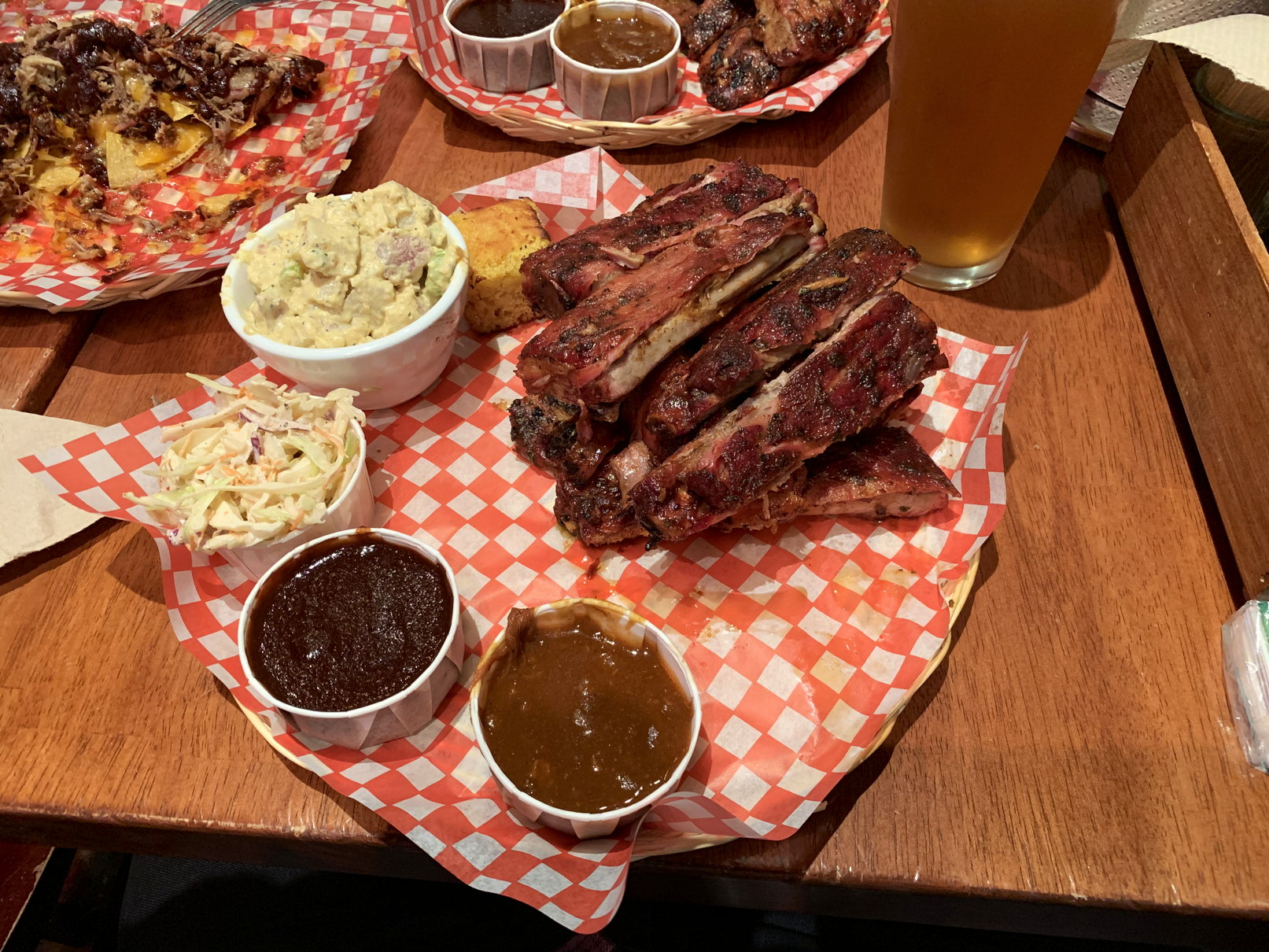 Spare Ribs im Memphis Blues BBQ an der Robson Street in Vancouver