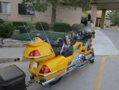Honda Goldwing vor dem Holiday Inn Express in Cortez