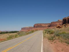 Unterwegs auf dem Utah Highway 211 in den Canyonlands N.P.