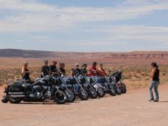 Biker im Monument Valley