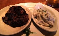 Rib Eye Steak und mashed Potatoes