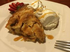 Apple Pie à la Mode im Furnace Creek