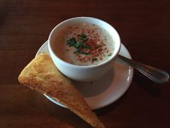 New England Clam Chowder (Suppe mit Muscheln)